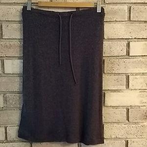 Short stretchy skirt